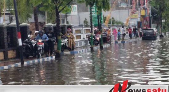 Hujan Deras, Kota Sumenep Kembali Di Kepung Genangan Air