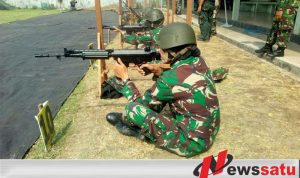 Prajurit Korem Bhaskara Jaya Di Uji Kemampuan Dalam Menembak