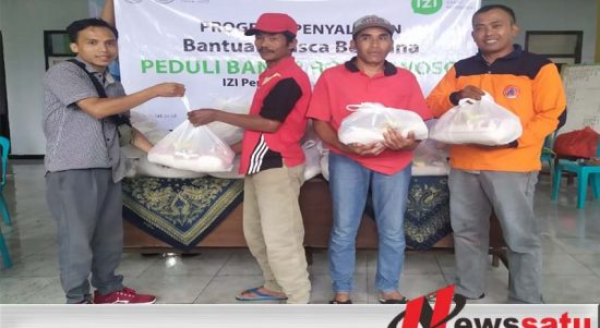 IZI Berikan Bantuan Sembako ke Warga Terdampak Banjir Ijen