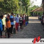 Covid-19, Muspika Jambesari Lakukan Sosialisasi Dan Peyeprotan Di 9 Desa