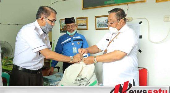 Baznas OKI Bagikan Paket Sembako ke Pemuka Agama Dan Pengurus Kantin Pondok Pesantren
