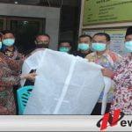 MH Said Abdullah Bantu Ratusan APD Dan Ribuan Masker Pada Tenaga Medis Di Sumenep