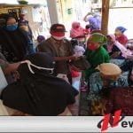 Covid-19, KSM Barokah Kota Probolinggo Bagi Sembako Dan Uang