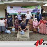 NKI Gendeng PWI Bondowoso Bagikan Ribuan Paket Sembako Kepada Korban Terdampak Covid 19