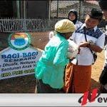 PWC IKAPMII Saronggi Bagikan Ratusan Sembako