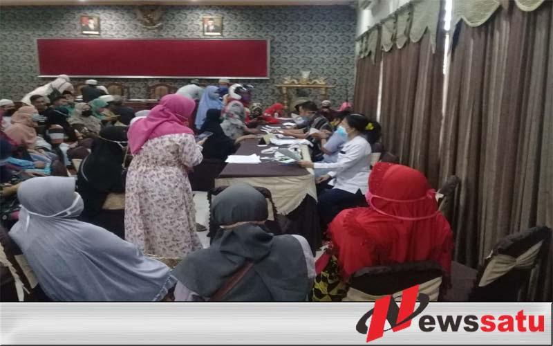 Pengambilan Insentif Guru Ngaji Kota Probolinggo Abaikan Protokol Kesehatan Covid 19