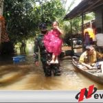 Aksi Heroik Anggota TNI Mempawah Dalam Menyelamatkan Bocah 5 Tahun Dari Banjir