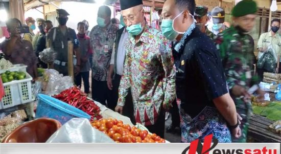 New Normal, Bupati Bondowoso Tinjau Tinjau Pasar Tradisional