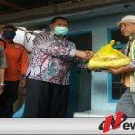 Pemkab Bondowoso Bagi-bagi Sembako Ke Sopir MPU