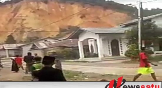 Lantaran Gunung Peniraman Kalimantan Barat Longsor