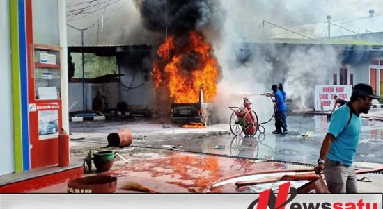 Mobil Ini Terbakar Usai Isi BBM di SPBU Larangan Badung Pamekasan