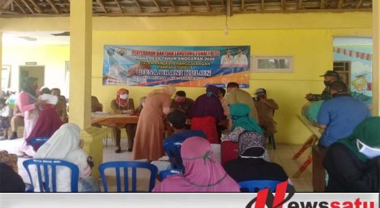 Pembagian BLT Desa Brani Kulon Probolinggo Ikuti Protokol Kesehatan