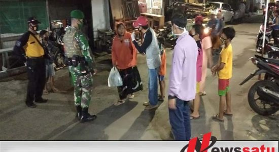 Operasi Masker Serentak di Semampir Surabaya