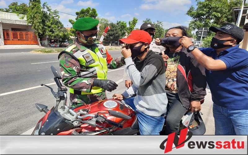 Petugas Protokol Kesehatan Dapati Warga Turi Tak Kenakan Masker