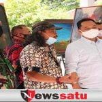Seniman Agoes D' Soe Pamerkan 31 Lukisan di Balai Kecamatan Junrejo