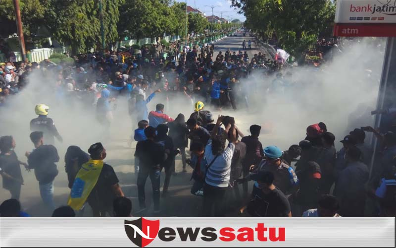 Tolak Omnibus Law, Demo Ratusan Mahasiswa Di Sumenep Berlangsung Ricuh