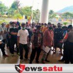 Diprotes MCW, Warga Pro Pembangunan Kolam Renang Juga Demo Di Balai Kota Batu