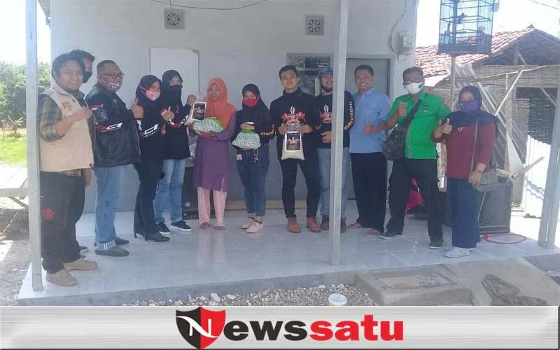 Hari Kesehatan Nasional, Komunitas dan Relawan Sebar Paket Pangan di Pamekasan