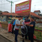 Warga Pamekasan Larang Pasar Dadakan di Jembatan