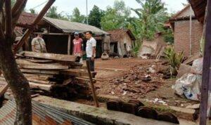 Diterjang Angin Kencang, Rumah Warga Probolinggo Ambruk