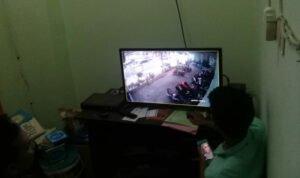 Pencuri Di Masjid Raudlatul Jannah Kota Probolinggo Terekam CCTV