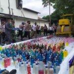 Polres Bondowoso Musnahkan Ratusan Miras dan knalpot Brong