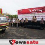 Polda Jatim Kirim Puluhan Ribu Paket Sembako ke Korban Banjir dan Gempa