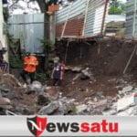 Diterjang Banjir, Plengsengan di Junrejo Ambrol Dan 2 Rumah Ambruk