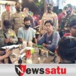 TNI-Polri Disiplinkan Prokes Pengunjung Cafe di Pamekasan
