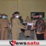 Bupati Bondowoso Beri Penghargaan Kepada PNS Yang Purna Tugas