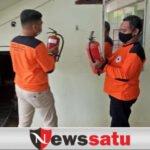 Jelang Ramadhan, FRPB Pamekasan Perbarui APAR di Masjid Agung As Syuhada