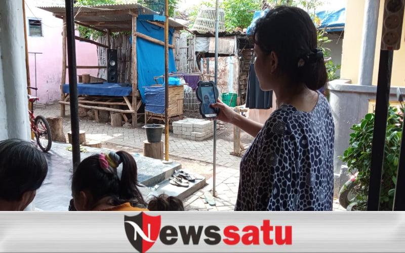 Dilarang Mudik, Warga Probolinggo Bersilaturahmi Dengan Video Call