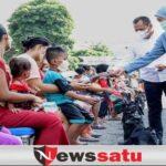Ini Cara Gubernur Khofifah Indar Parawansa Berbagi Jelang Lebaran di Surabaya