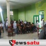 Binmas Polsek Ajarkan Disiplin Dini pada Pelajar di Palengaan Pamekasan