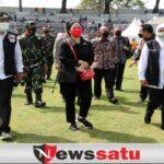 Ketua DPR RI Tinjau Vaksinasi Covid-19 Masal di Surabaya
