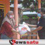 PDI Perjuangan Sumenep bagikan Daging Qurban secara Door to Door