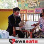 Aksi Peduli Mahasiswa KKN UNEJ, Pulang Kampung Tingkatkan Omzet Warung Rujak Tetangga Era PPKM Level 3 di Bondowoso