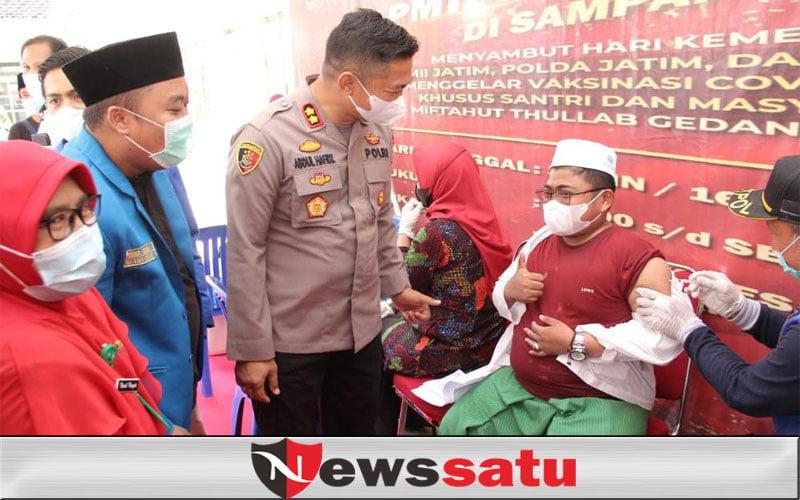 PKC PMII dan Polda Jatim Targetkan 1500 Santri Beserta Masyarakat Divaksinasi di Sampang