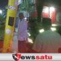 Pagi Buta Mobil Seruduk Tiang Lampu Penerangan Jalan di Pamekasan