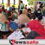 Babinsa Dungkek Dampingi Pelaksanaan Vaksinasi Covid-19 di Desa Romben